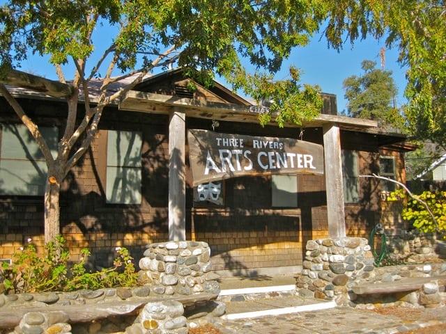arts-center